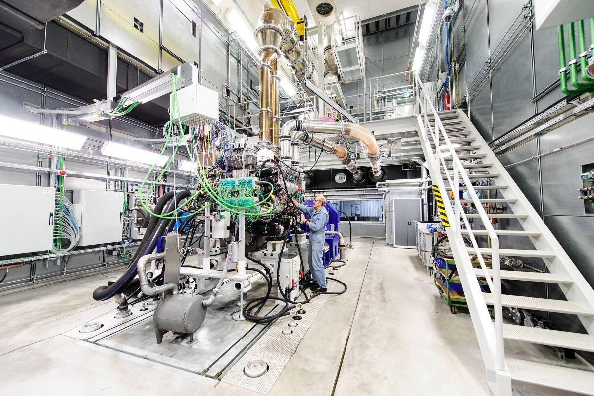 First Rolls-Royce MTU gas marine engine successfully completed 3,000 hrs testing